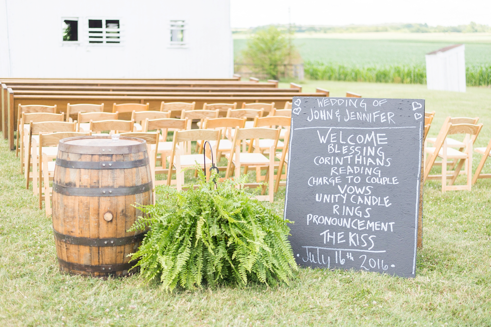 wedding-at-lightning-tree-barn-venue-in-circleville-ohio_0326