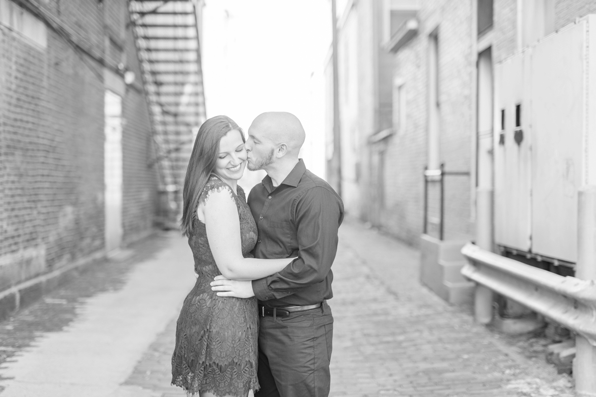 winter-engagements-at-chillicothe-in-the-downtown-area-by-the-stone-and-brick_0484